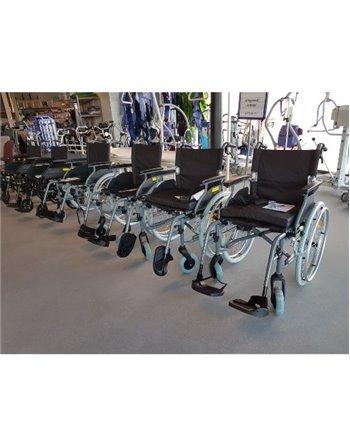 Diverse lichtgewicht rolstoelen